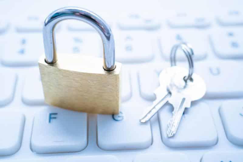 Teamsなどの会議では社外秘の情報や機密データを扱うことも多い
